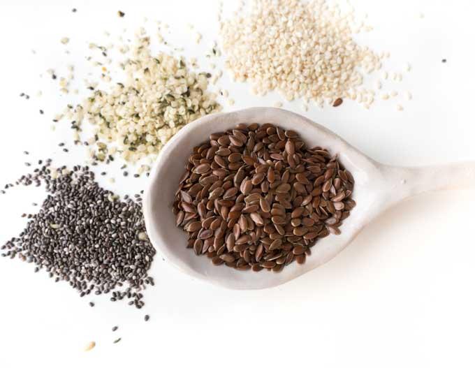 siemię lniane zawiera więcej lignanów niż chia, nasiona konopi i sezam