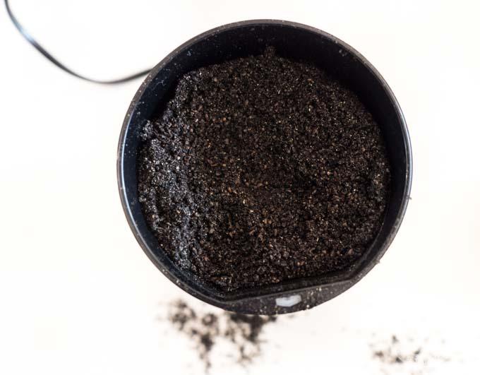 jak przygotować napar z mielonych ziaren czarnuszki?