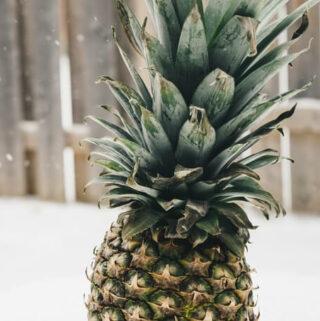Czy sok z ananasa i zawarta w nim bromelainy jest lepszy od syropu na kaszel?