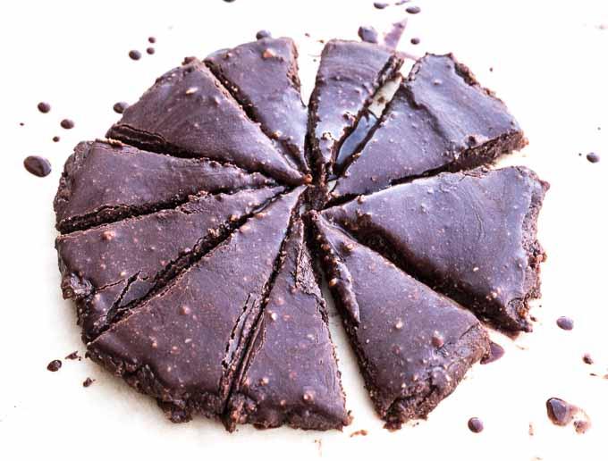 Prawdziwe brownie jest wilgotne ii rozpływające się w ustach