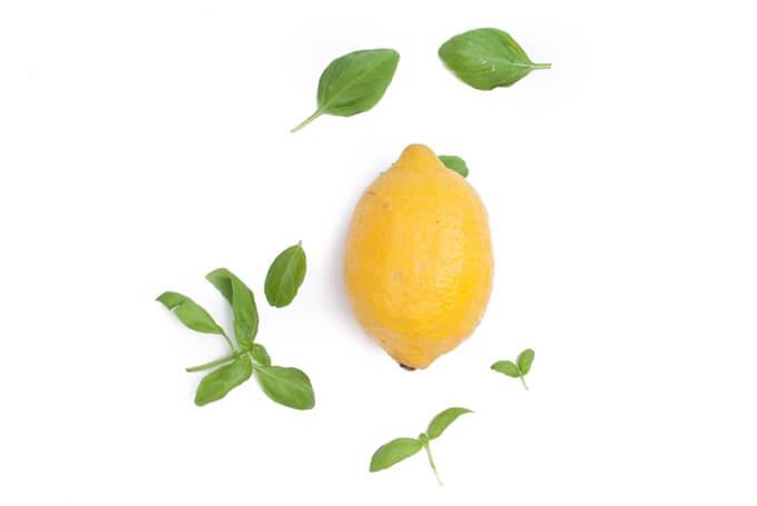 przepis na lemoniadę z cytryną i bazylią