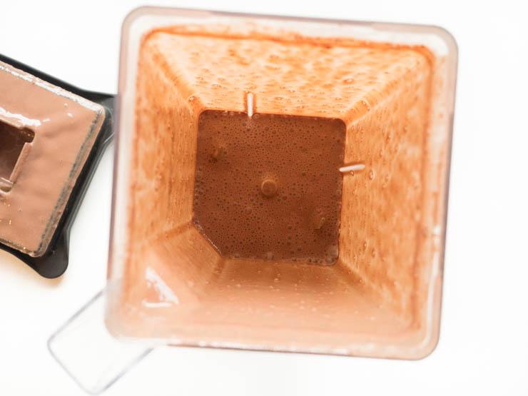 Jak zrobić gorącą czekoladę bez mleka ?