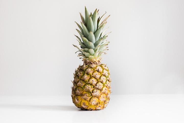 Ananas dodany do koktajlu doda słodko- kwaśnego, egzotycznego smaku