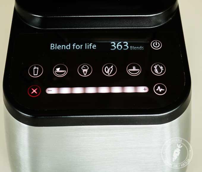 Blendtec Designer liczy każdy koktajl, wita się z użytkownikiem, a także informuje o potencjalnych błędach