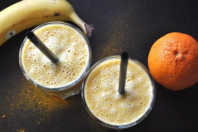 koktajl z kurkumą bananem ipomarańczą