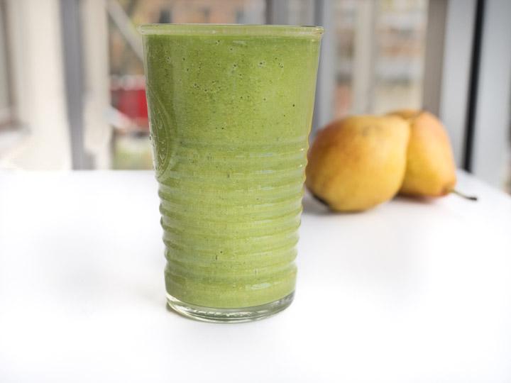 To zielone smoothie zapewnia świeży oddech na bardzo długo. Moim zdaniem odświeża skuteczniej niż guma do żucia:)