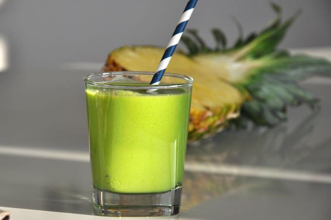 Pina Colada w kolorze zielonym czyli tropikalny przepis na lato