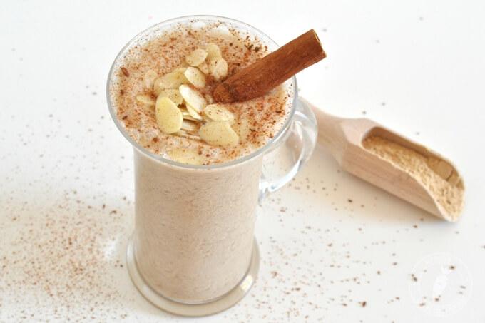 zdrowy koktajl na równowagę hormonalną, menopauzę o smaku deseru kawowego