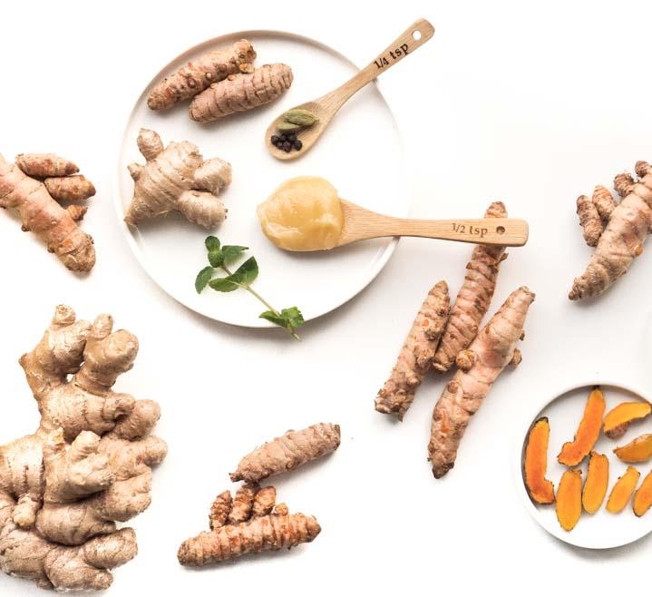 Kurkumikto bogactwo super zdrowych przypraw, które kryją w sobie mnóstwo antyoksydantów. Takie przyprawy  jak kurkuma, imbir, goździki, kardamon, mięta czy pieprz są najbogatsze w antyoksydanty.