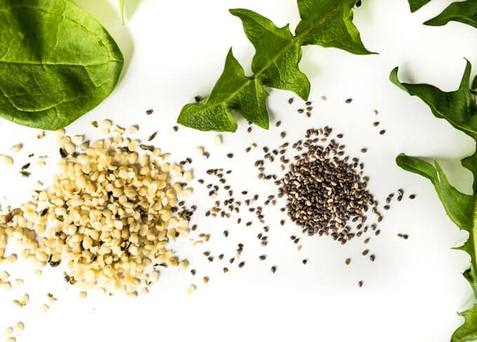 dodaj nasiona lub orzechy a koktajl nabierze delikatnego i kremowego smaku