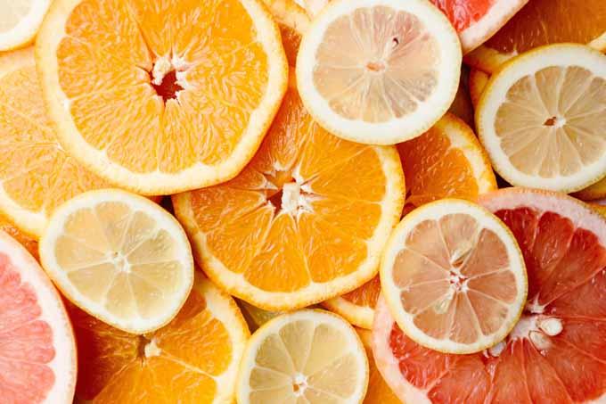 jest zasadnicza różnica pomiędzy fruktozą zjadaną w formie całych owoców i warzyw, a fruktozą wyizolowaną z naturalnych produktów
