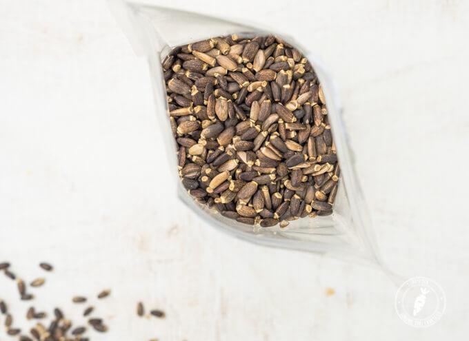 Na codzień najlepiej jeść go w ziarnach, które można zmielić w młynku lub w blenderze razem z koktajlem. W przypadku problemów z wątrobą można skorzystać ze skoncentrowanej formy w postaci suplementu