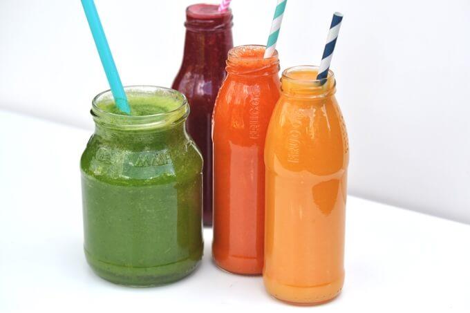 pojemniki szklane z darmo idealne do koktajli i soków