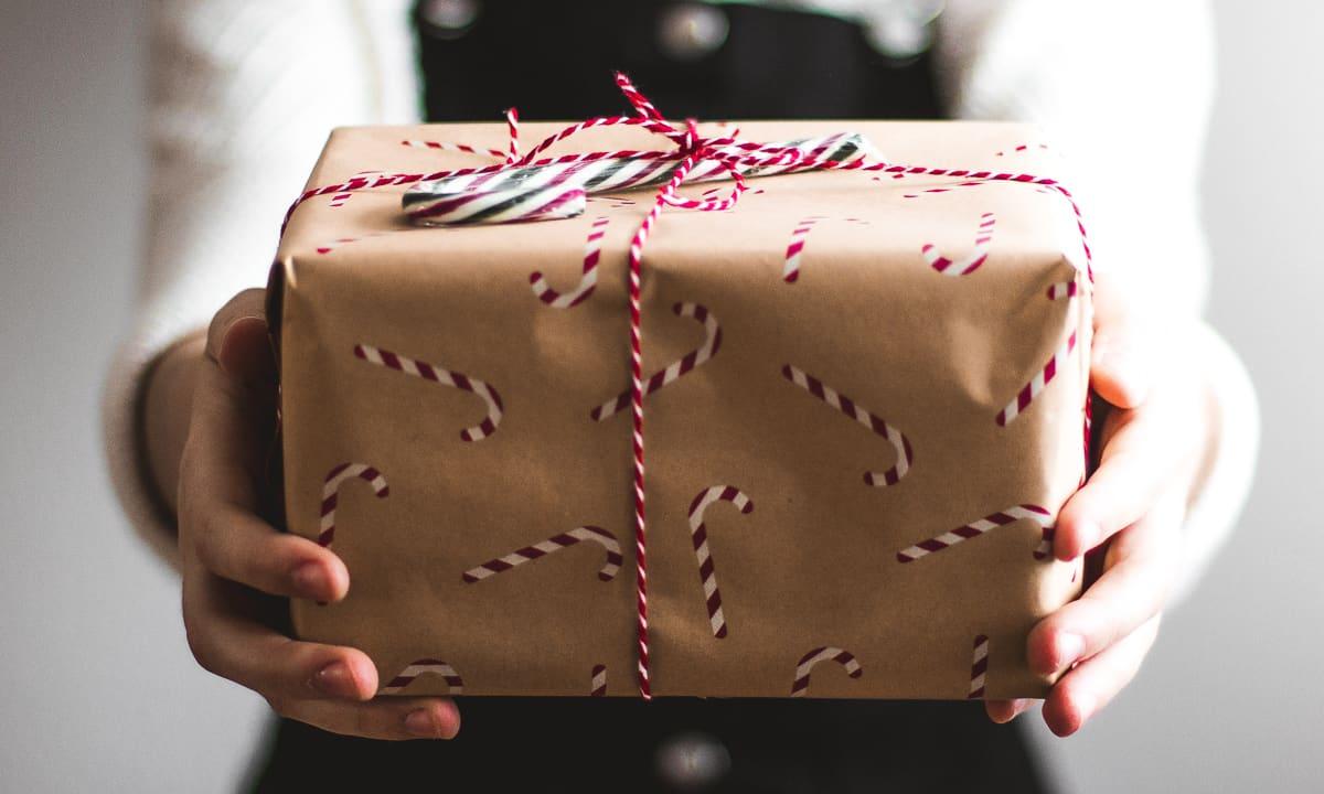 Jakie prezenty na święta wybrać? Najlepiej takie, które wyjdą na zdrowie i zmotywują do działania.