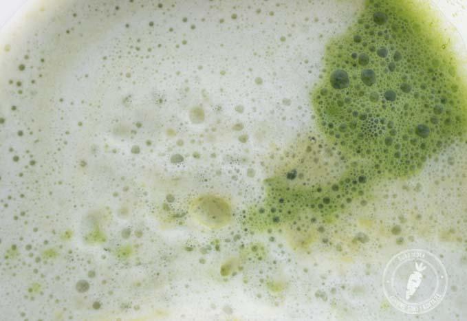 Sok z cukinii i zielonych liści to bogate źródło luteiny i zeaksantyny