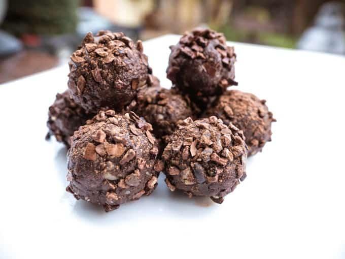 zabierz ze sobą czekoladowe kulki do pracy i ciesz się zdrową energią