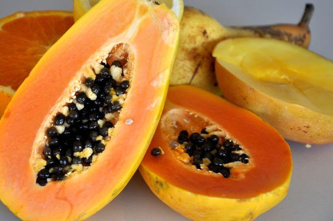 słodkie owoce w sokach i koktajlach