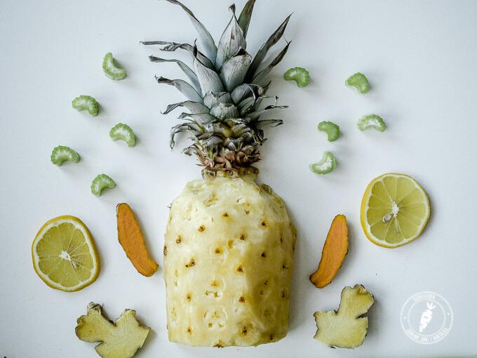 ocet jabłkowy w soku z ananasa, selera naciowego, kurkumy i imbiru