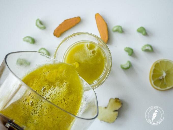 sok z dodatkiem octu jabłkowego dbający o prawidłową florę bakteryjną i większą odporność organizmu