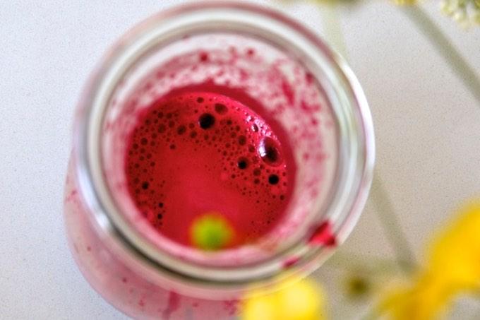 świeży wyciskany sok z buraka