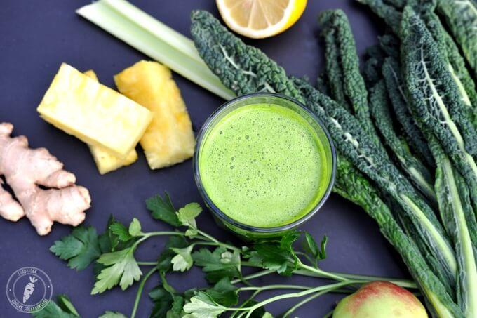 zdrowy zielony sok z jarmużu