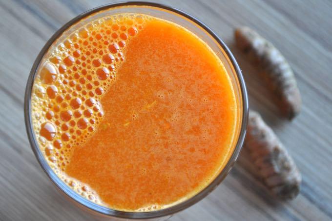 prosty przepis na sok z kurkumy i marchwi