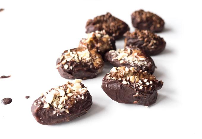 Pudełko dobrych świeżych daktyli będzie  idealnym prezentem na święta dla fanów słodyczy. Dostarczają dużą porcję błonnika, minerałów i naturalnej słodyczy i mnóstwo smaku