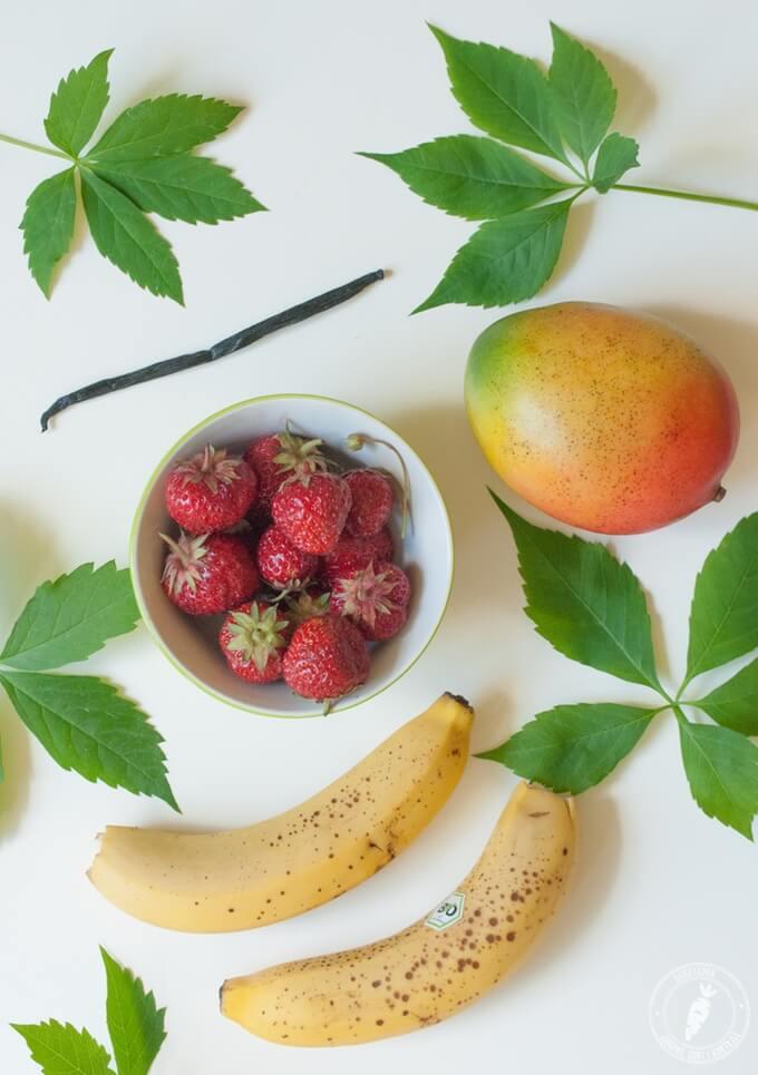 składniki domowych lodów truskawkowych
