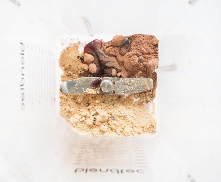 Dodatek adaptogenów do gorącej czekolady sprawi że będzie to nie tylko smaczny napój ale  też naturalny sposób na walkę ze stresem