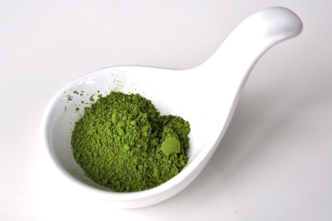 sproszkowana zielona herbata matcha - naturalny antyoksydant