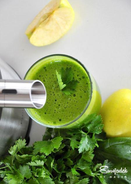 zielony sok z pietruszki i szpinaku