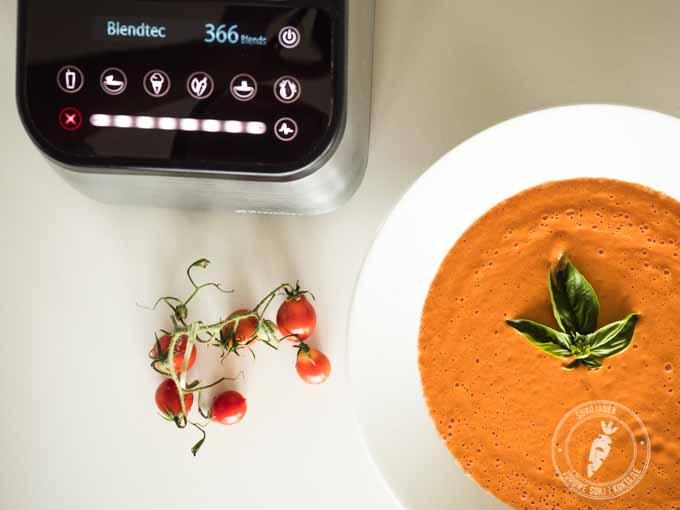Rozdrabnianie, kruszenie, mielenie, a nawet przygotowanie gorącej zupy w blenderze Blendtec zajmuje krótką chwilę